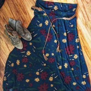Navy Floral Maxi Size Large